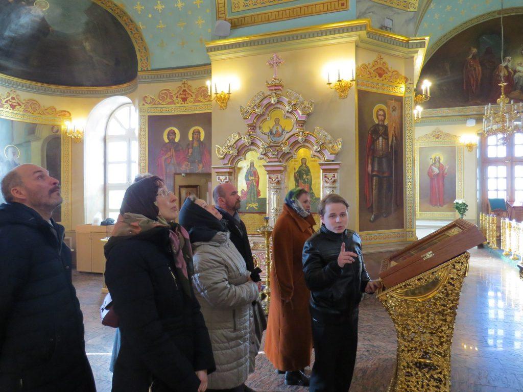 Экскурсоводы в Благовещенском монастыре1